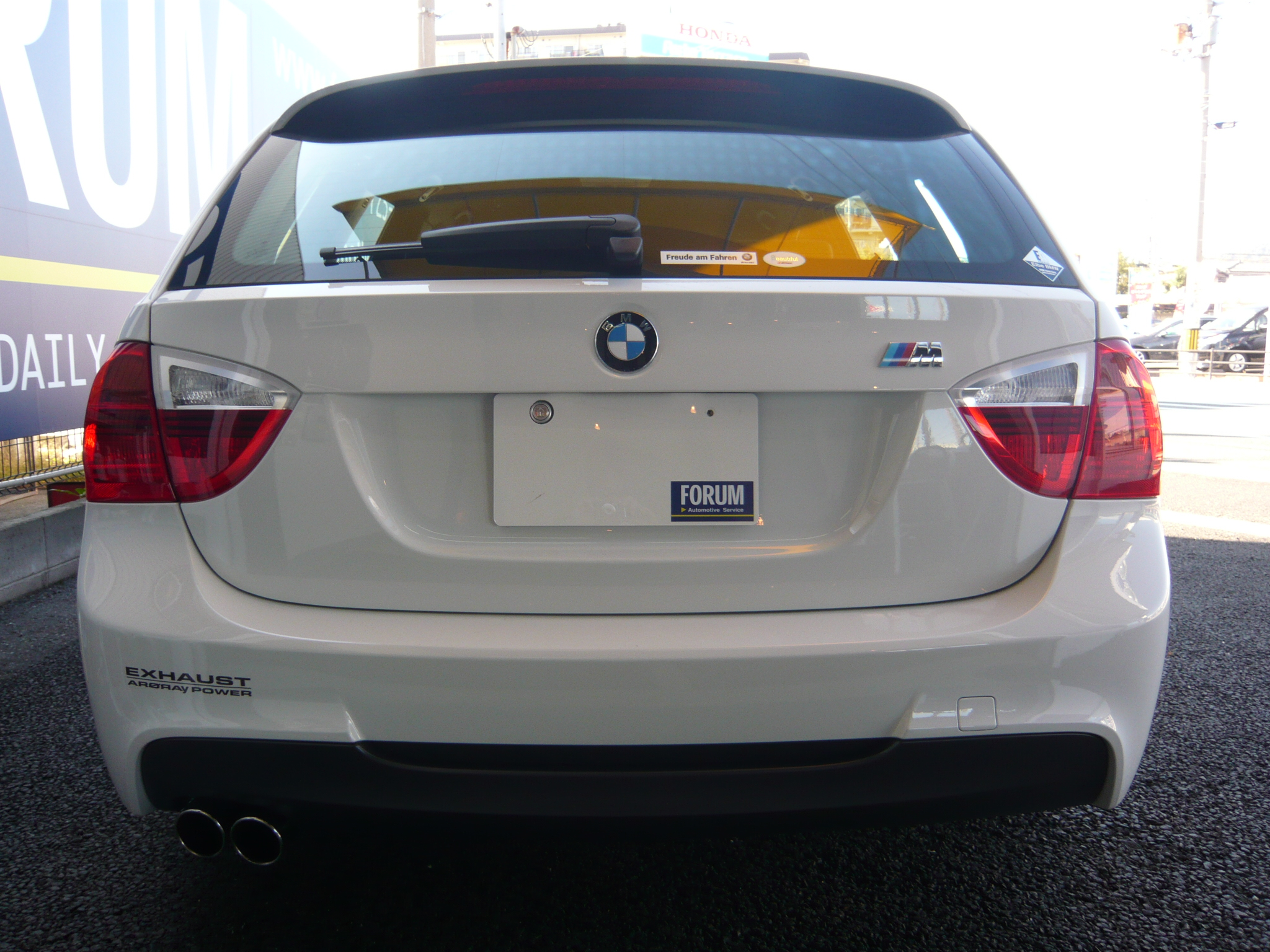 BMW <font size=4 color=red face=Impact>SOLD OUT</font> 320iツーリング