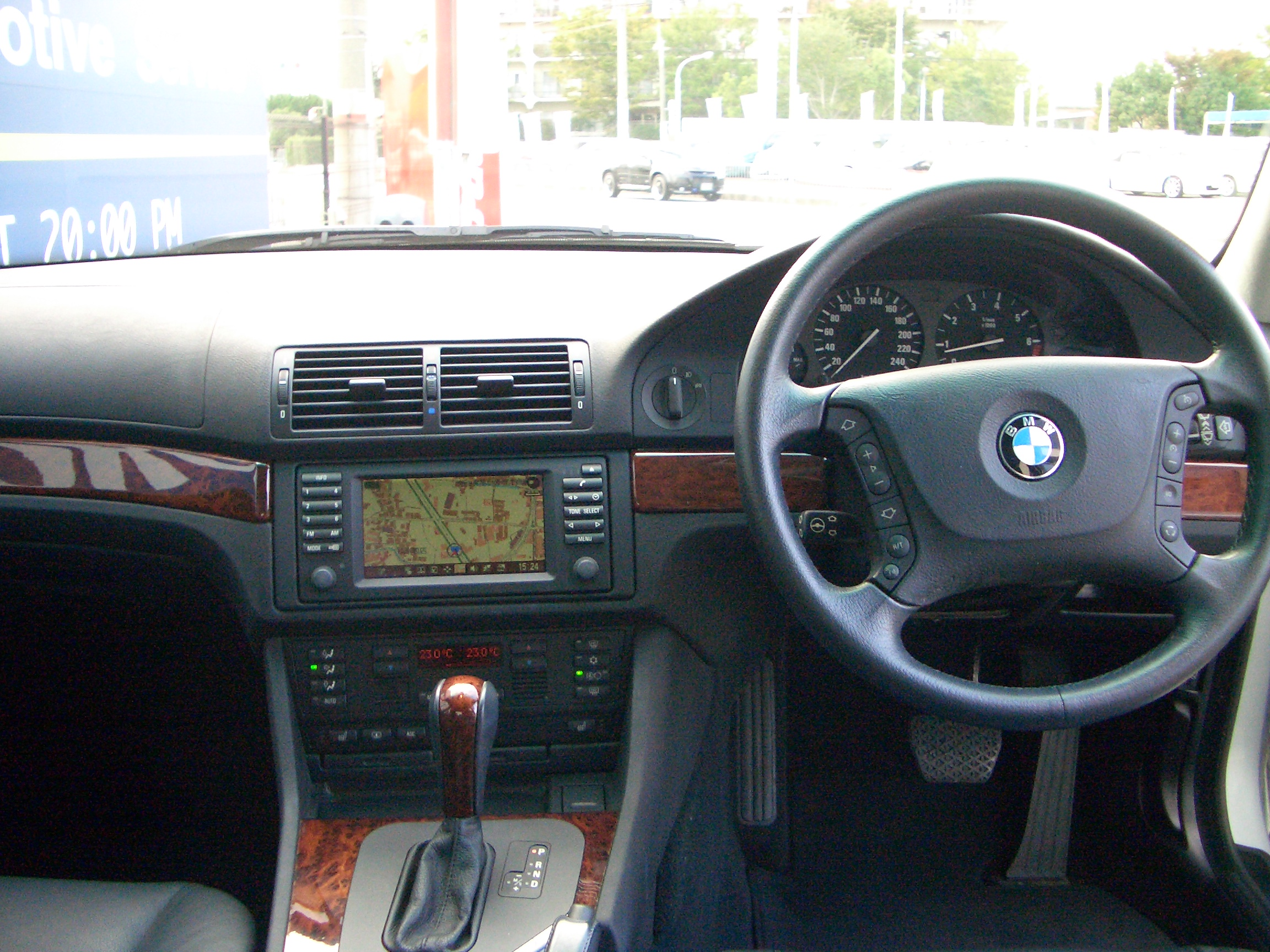 BMW <font size=4 color=red face=Impact>SOLD OUT</font> 530i